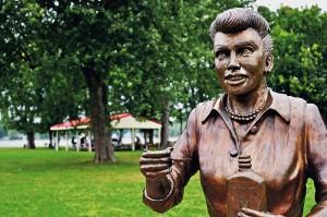 lucille-ball-statue
