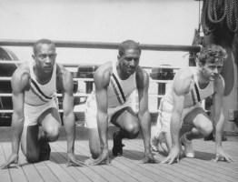 olympic_sprinters_owens_metcalfe_and_wykoff_1936