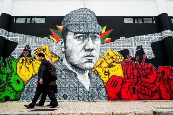 RG Rui Gaudencio - 12 Abril 2014 - Mural de Vhils e outros artistas sobre o 25 de abril. Lisboa