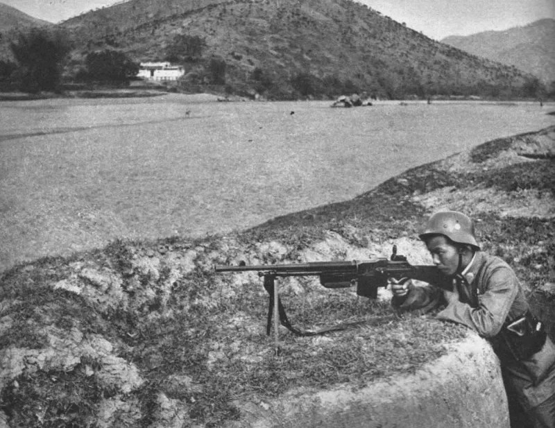 Chinese soldier with a Belgian Mle 30 Browning Automatic Rifle