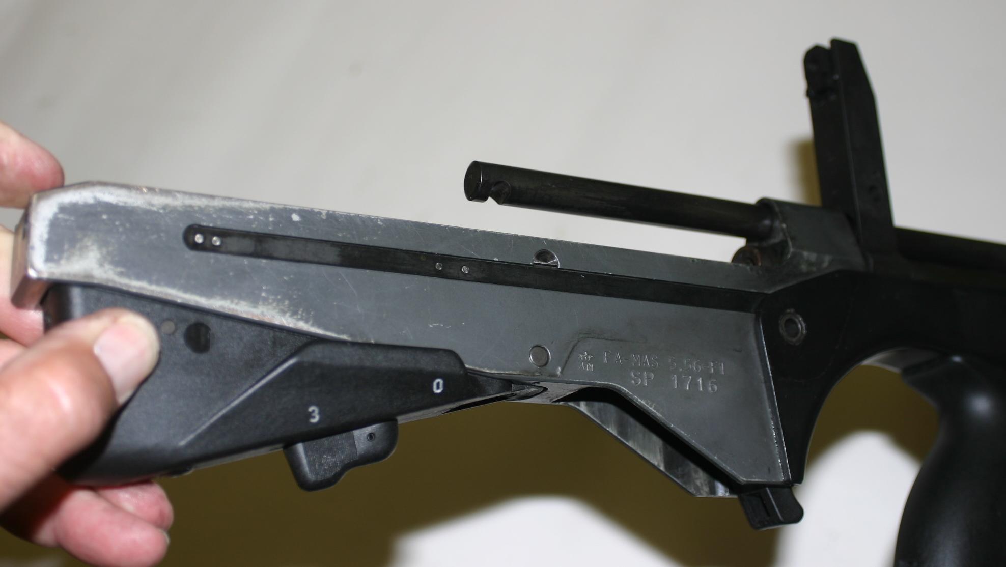 FAMAS F1 – Forgotten Weapons