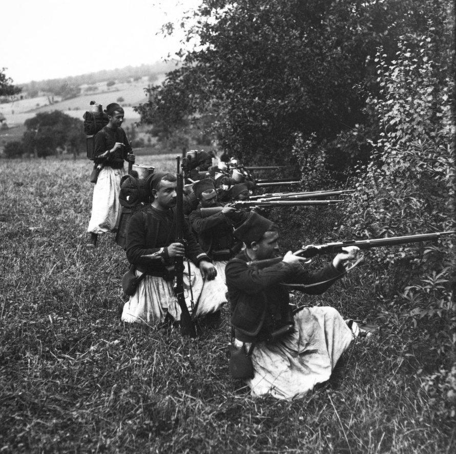 Zouaves on maneuvers, 1909