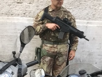 Italian soldier in Rome with an ARX-160