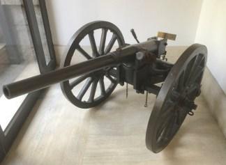 Complete gun