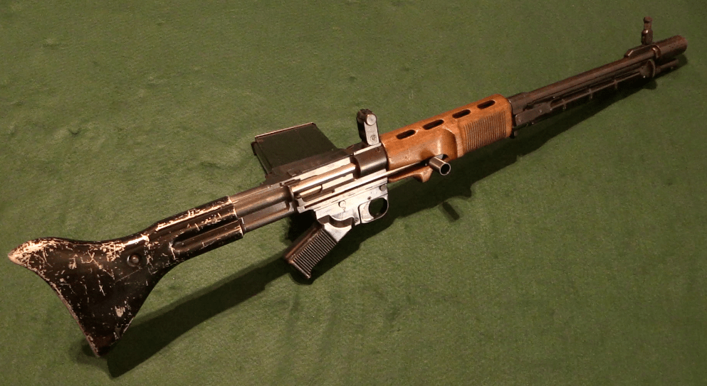 Pre-Production FG-42 (Type C) – Forgotten Weapons