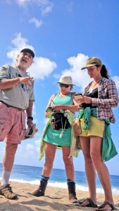 Kaua'i geologist Chuck Blay, left, is seen here talking about geology and fossils with two members of the National Tropical Botanical Garden 2015 Environmental Journalism Fellowship.