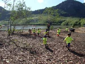 Schools are welcome to do volunteer work at Hule'ia. Photo courtesy of Malama Hule'ia