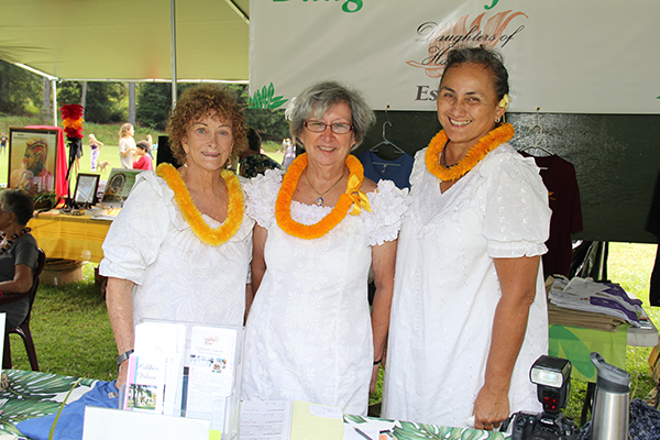 Daughters of Hawai'i, left to right, Carol Ann Davis, Bonnie Stevens and Kahana Reid