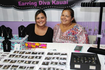 Chasitie Gonsalves, left, of Mermaid Kissed Kaua'i, and Vanessa Louis, of Earring Diva Kaua'i