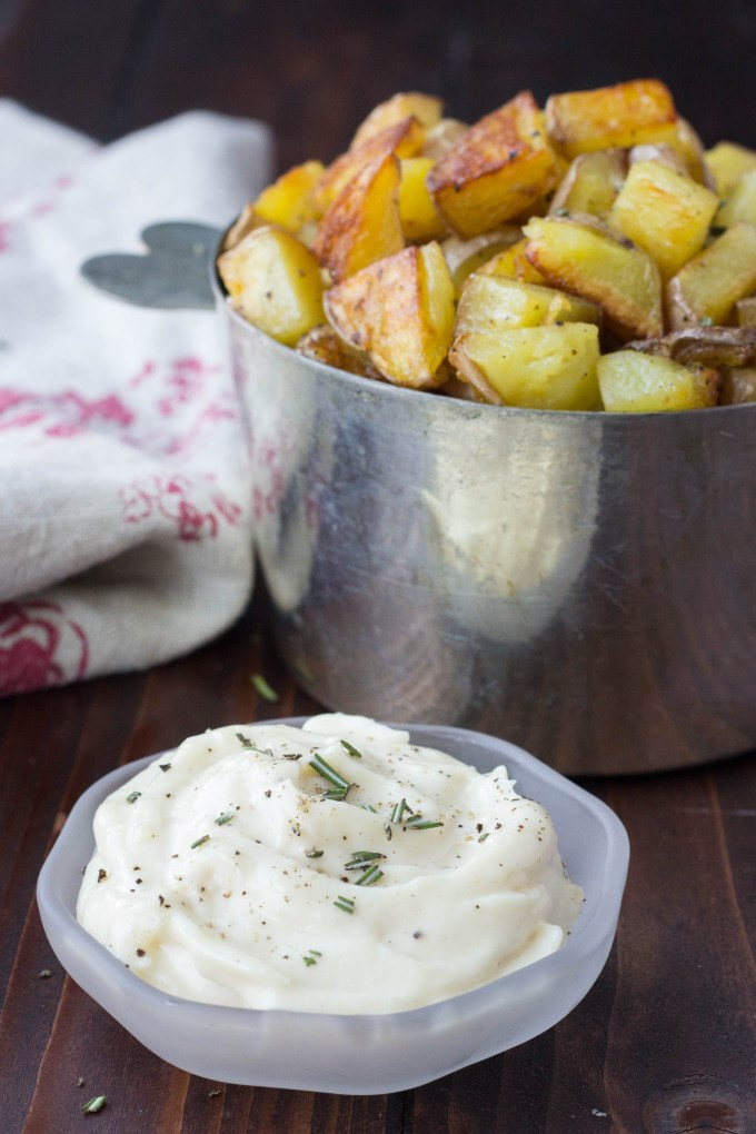 Crispy Potatoes w/ Roasted Garlic Aioli // Fork in the Kitchen