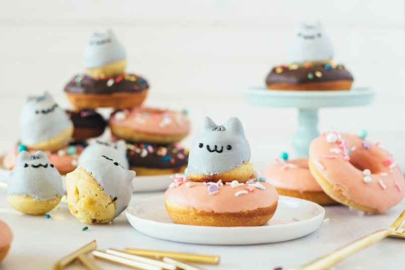 pusheen donuts fork to belly