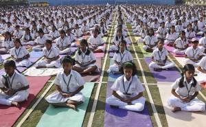 yoga-multitud1-a