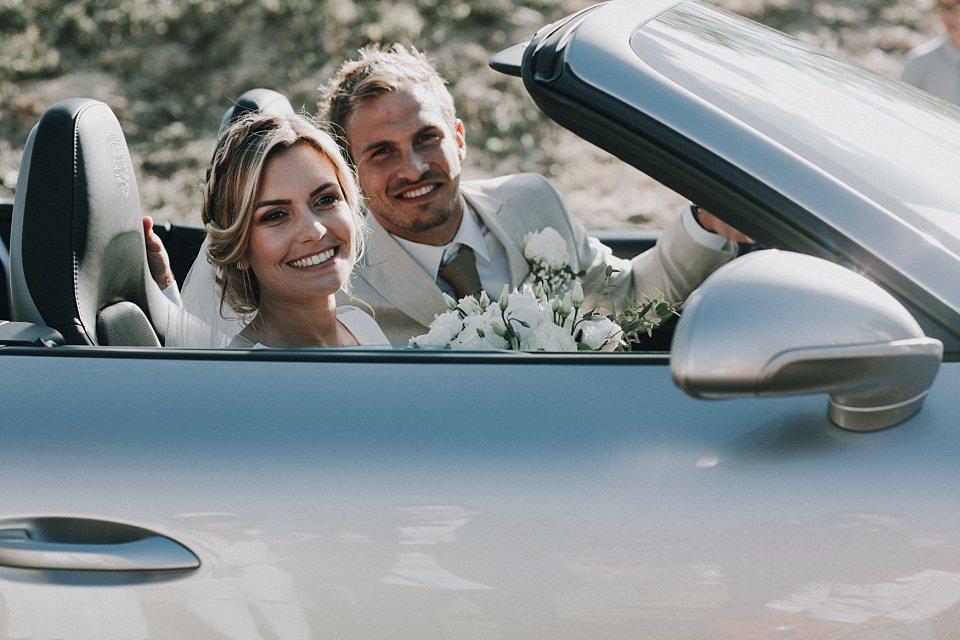 Romantische Hochzeit in der Vulkanlandschaft von Auvergne, Frankreich