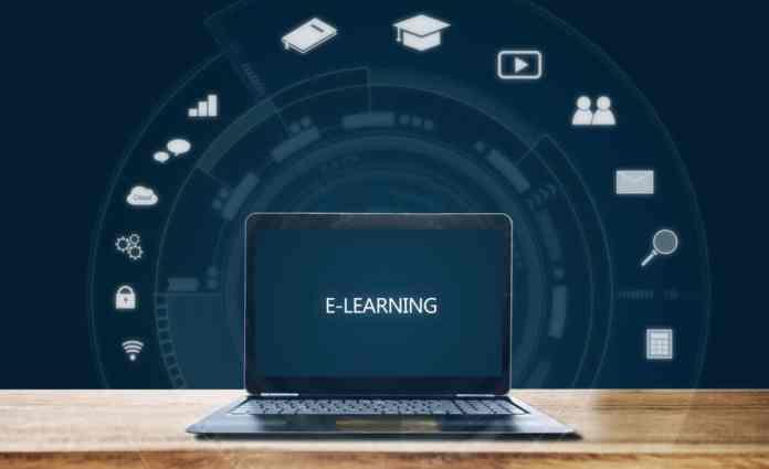 pc con la schermata e-learning