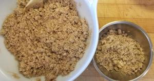 Crumb topping for cake
