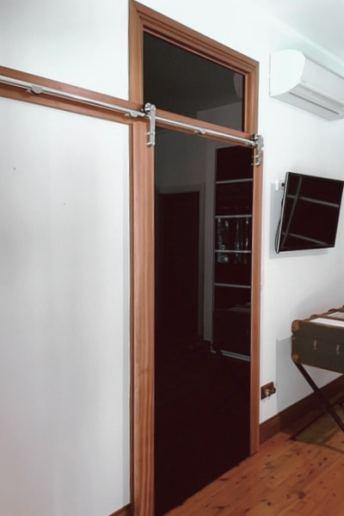 Barn Door & Transome