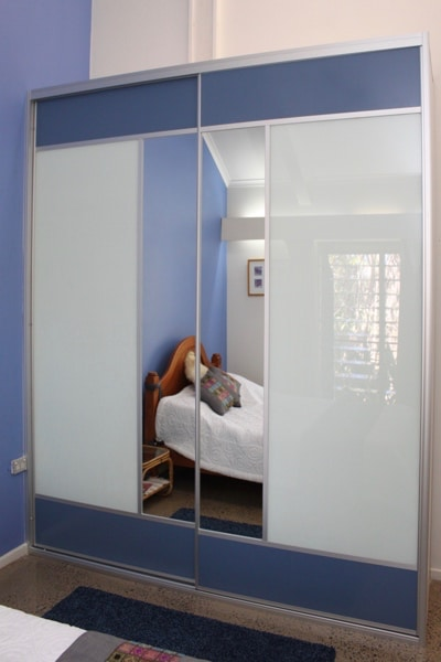 Blue Mesh Panels Top & Bottom white dec glass and functional mirror