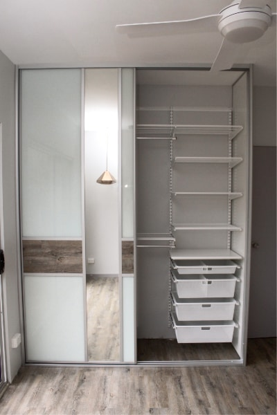 Wardrobe Shelving with FormFunctionNT Sliding Doors