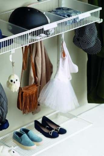 Girls wardrobe shelving in walkin