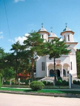 "Pr. Dumitrache Veriga, parohul bisericii ortodoxe ""Sotir"" din Korcea, Albania"