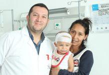 Extirpan tumor a un bebe - Formula Medica