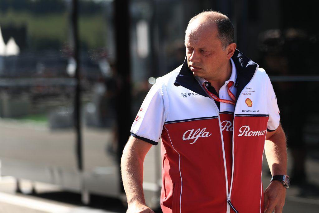 """Vasseur advierte: """"Si quieres hacer más carreras seguidas, es más caro"""""""