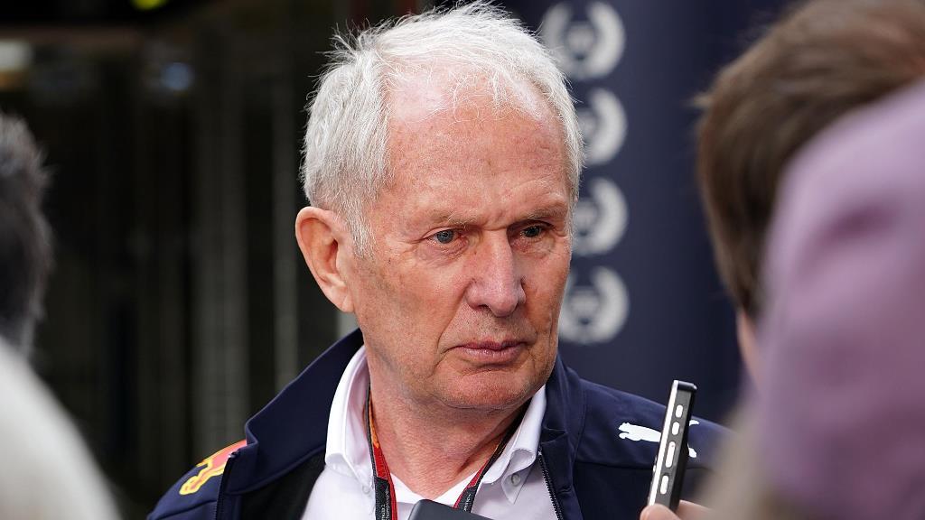 Helmut Marko da indicios sobre Tsunoda como compañero de Gasly en 2021