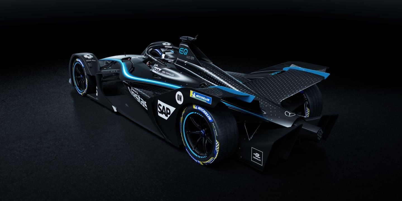 Mercedes tiñe sus monoplazas en color negro para la Fórmula E