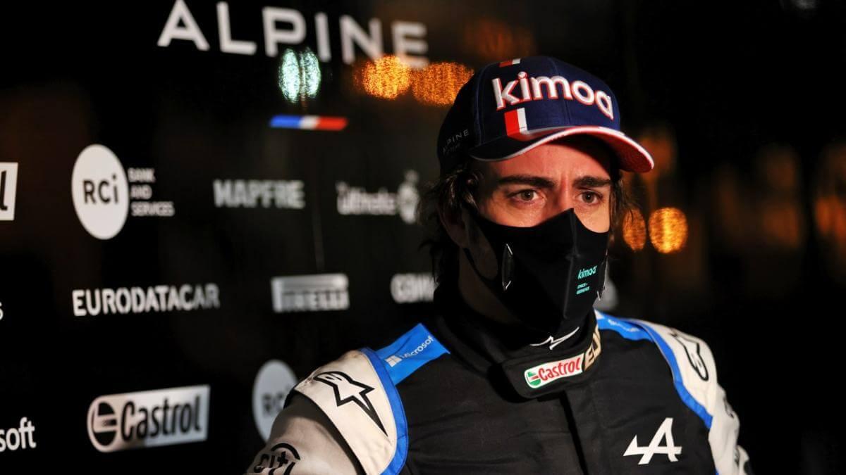 """Fernando Alonso bromeó con la maniobra de Bottas: """"Hicieron trabajo de equipo"""""""