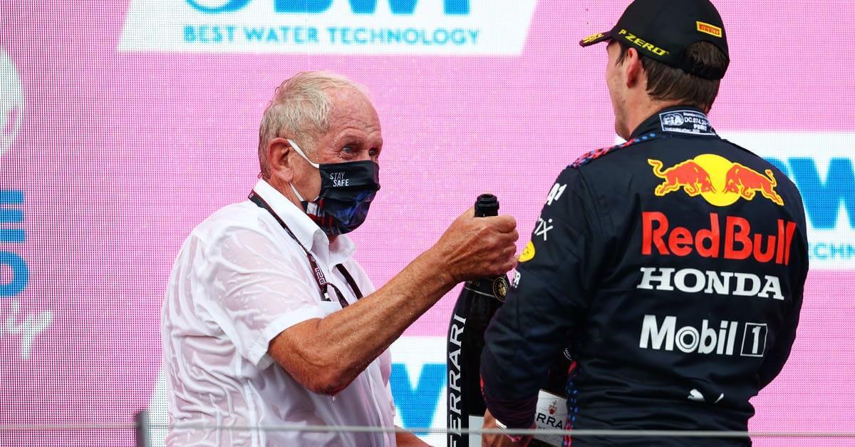 Helmut Marko afirma que Verstappen sólo debe conseguir dos victorias más para alzarse con el campeonato