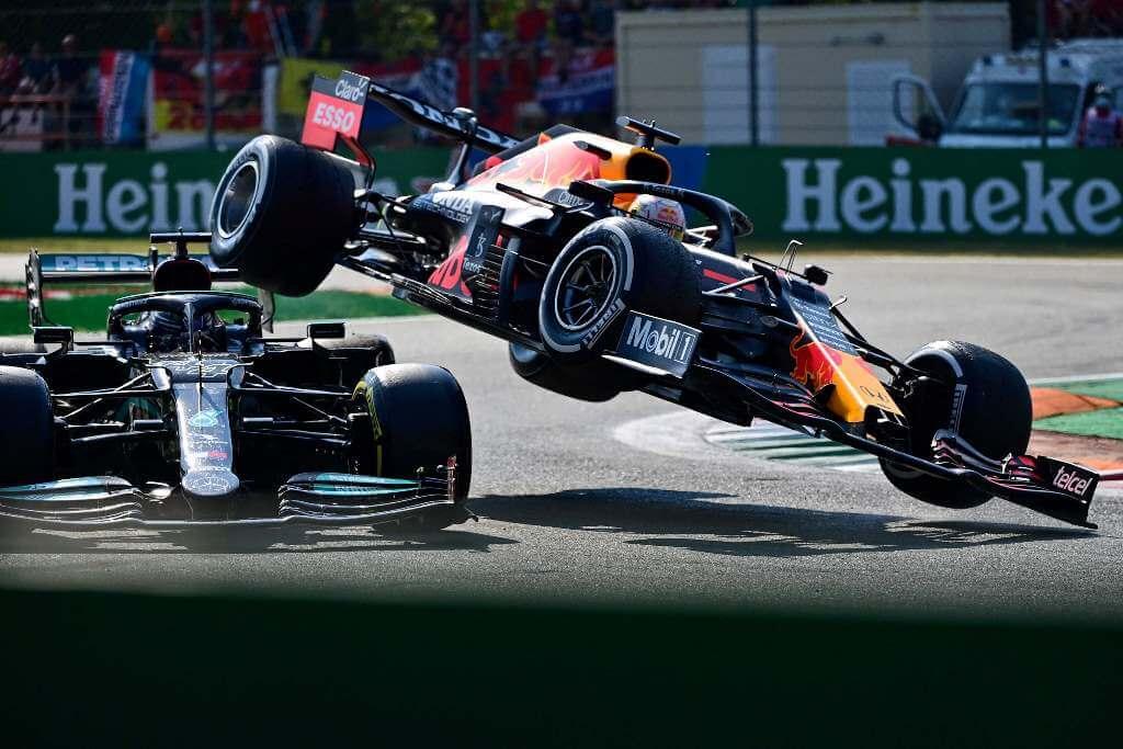 Alain Prost y David Coulthard coinciden en que el accidente entre Verstappen y Hamilton fue 'un incidente de carrera'