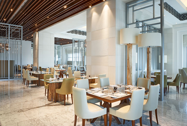 FORMULA ONE   DINING IN STYLE