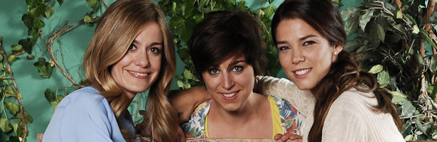 Alexandra Jiménez, Nausicaa Bonnin y Juana Acosta son tres hermanas en 'Familia'
