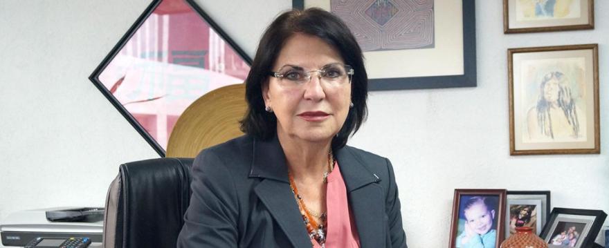 Forum 42. María Dolores Sánchez Soler: Entregó CONACyT 198 mil becas en la actual administración   Foro Consultivo