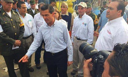 Recorren Presidente de la República y Gobernador la zona siniestrada de Coatzacoalcos