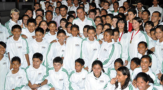 Envia Tuxpan a la mayor delegación de deportistas de su historia a la olimpiada estatal 2012