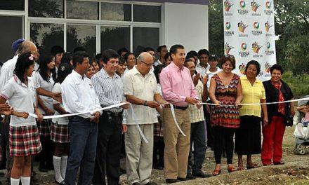 Dignifica ASR más espacios educativos de las comunidades en Tuxpan