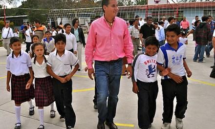 Inaugura ASR cancha de usos múltiples en primaria de la comunidad de Higueral
