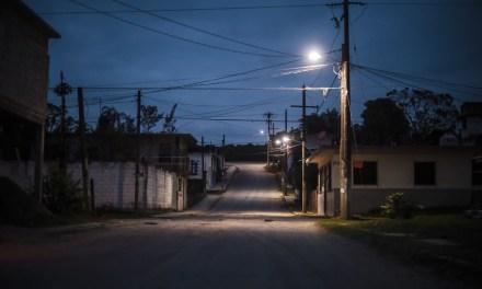 Ayuntamiento de Tuxpan y SUTERM Entregan Luminarias