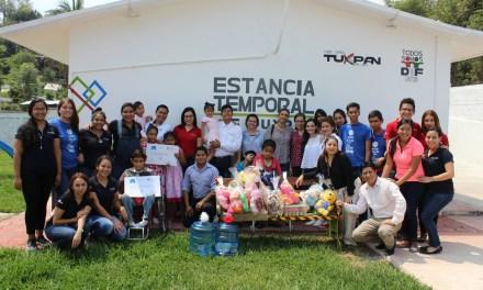 Universitarios visitan la Estancia Temporal DIF