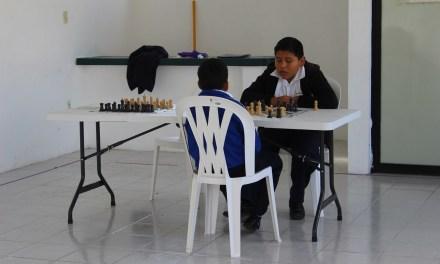 Promueven la práctica del ajedrez en los niños