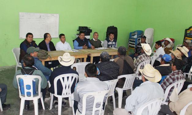 Gente del campo respalda a Toño Aguilar