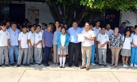 Toño Aguilar, aliado de la educación