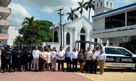 Alcalde pide compromiso y lealtad a efectivos municipales