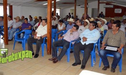 Capacitan a productores ganaderos sobre Rabia Paralítica y Bovina