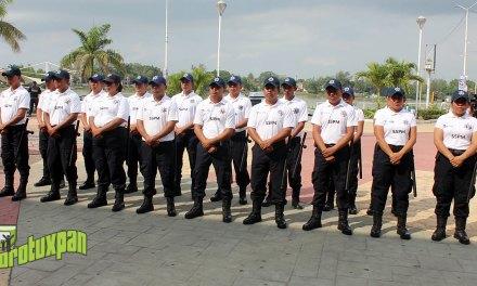 Alcalde rinde protesta a la nueva Policía Turística