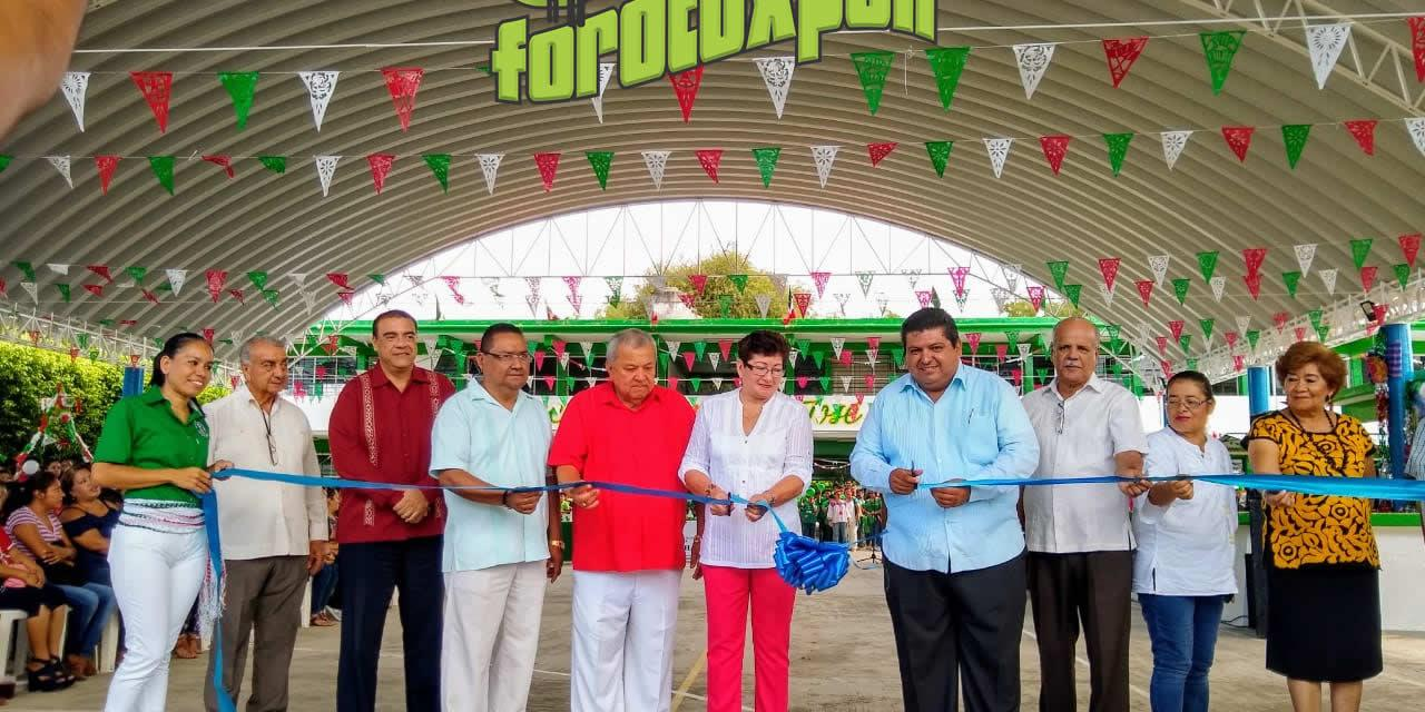 Toño Aguilar inaugura domo en la secundaria José Vasconcelos