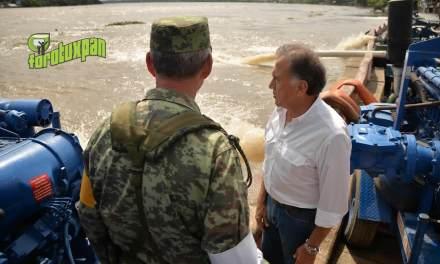 Recorre el Gobernador Yunes municipios de la zona sur del estado afectados por las intensas lluvias