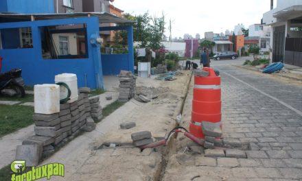 Vecinos de Petropolis Inconformes con malos trabajos de TELMEX