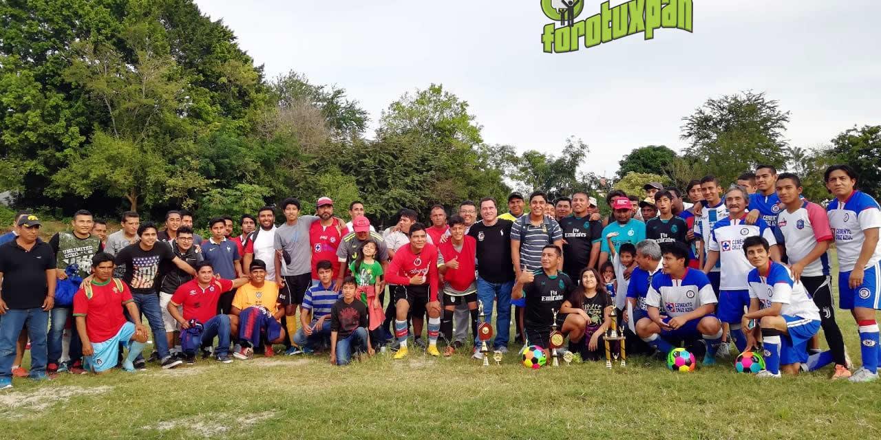 """Participan jóvenes en """"Copa Esquitín"""""""